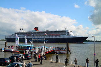 Bild: Queen Mary am Stadersand, Quelle: Wikimedia